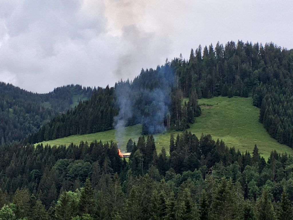 Alphütte in Hittisau in Vollbrand